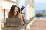 Slevy na e-shopech: Pořiďte si nové letní kousky za akční ceny!