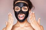 Vyzkoušeno: Černá maska z uhlí! Opravdu vás zbaví černých teček a akné?