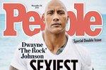 Dwayne Johnson (The Rock) na titulce magazínu People, který ho zvolil za nejvíce sexy muže roku 2016.
