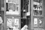 Papírové lodičky, Paříž, 1950