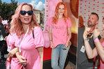 Růžový pochod proti rakovině prsu: Absolonová s Pazderkovou si obarvily i vlasy!