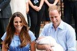 2. Princezna Diana odstartovala novou tradici, porody v nemocnici: Princ William a Harry se oba narodili soukromém křídle nemocnice St. Mary's Hospital. Tady také přivedla na svět vévodkyně Kate prince George a princeznu Charlotte. Spekuluje  se, že Kate možná s třetím těhotenstvím poruší tradice a třetího potomka přivede na svět doma.