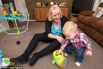 Louise teď tráví skoro všechen čas se svým synem