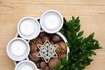 Bílý adventní keramický svícen, cena: 380 Kč
