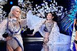 Problémy na velkolepé přehlídce Victoria's Secret: Pád andílka přímo na mole! Gigi Hadid nedostala vízum kvůli Buddhovi