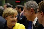 Babiš se zapsal v Bruselu: S Merkelovou mluvil česky, Juncker mu řekl chlapíku