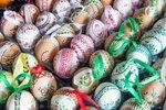 Barvení vajíček voskem nebo voskovkami: Tradiční technika našich babiček