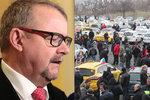 Ťok má plán na ukončení války s Uberem: Licenci taxikářů i pro jeho řidiče