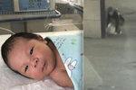 Otec opustil novorozeného chlapečka na ulici: Teploty venku klesly pod minus 20 stupňů