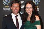 Jacinda Ardernová s partnerem Clarkem Gayfordem očekávají prvního potomka