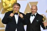 Guillermo del Toro a J. Miles Dale