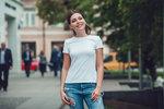 Bílé tričko je jeden z nejdůležitějších základních kousků.