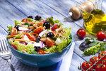 Zeleninové saláty? Tohle do nich nedávejte, jinak nezhubnete