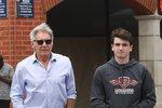 Harrison Ford vyvedl syna na nákupy! Vypadají stejně, ale něco tomu chybí