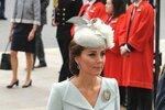 Vévodkyně Kate v kostýmku návrháře Alexandra McQueena
