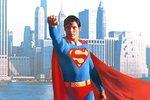 """Létající hrdina s písmenem """"S"""" na hrudi proslavil herce a udělal z něj ikonu."""