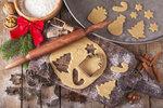 Období voňavého vánočního pečení je tu. Ať už jste v přípravě vánočního cukroví začátečník nebo profík, určitě se vám bude hodit inspirace na nejrůznější pomocníky, které vám vánoční rituál nejen usnadní, vylepší, ale i obzvláštní.