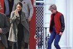 Džíny nesmí chybět žádné z nás. I v královských rodinách jsou za určitých okolností povoleny. Kate Middleton miluje skinny džíny, zatímco španělská královna nosí zvonáče. My pro vás našly obdobné modely. Které džíny upřednostníte vy?