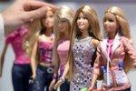 Výstava panenky Barbie při příležitosti 50. narozenin