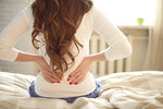 7 překvapivých důvodů, proč vás bolí záda, a co s tím