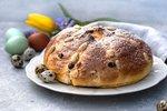 Co by to bylo za Velikonoce bez nadýchaného mazance? Letos ho nekupujte, ale upečte si ho sami podle našeho receptu. Chutná výtečně, je vláčný a snadno ho zvládnete!