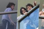 První foto Micka Jaggera po oznámení nemoci: V teplákách na balkoně s Keithem