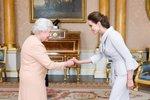 Které celebrity měly tu čest potkat královnu Alžbětu?