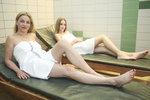 Lucie Zedníčková s dcerou Amélií v sauně