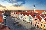 Prohlídku Třeboně začněte na Masarykově náměstí. Určitě si všimněte barokního Mariánského sloupu, renesanční kašny a staré radnice.