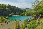 Nedaleko Konstantinových Lázní je zatopený lom Hradišťský vrch, ve kterém se v létě můžete vykoupat. Jsou tu písečné pláže i stánek s občerstvením.