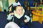 Holčička trpěla nevyléčitelnou chorobou. Matce zemřela v náručí