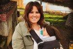 Matce adoptovaného miminka doporučila prodavačka zhubnout o  poporodní kila.