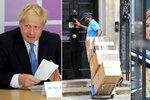 """Po Mayové vyhodili i matraci: Boris s """"vydřičkou"""" vyklízejí premiérské sídlo"""