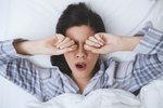 Špatně se vám spí? Zbavte se věcí, které do ložnice nepatří