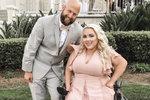 Žena upoutaná na invalidní vozík našla lásku na Tinderu