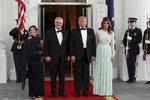 Melania oslnila v šatech za 140 tisíc. Australský premiér vysekl Trumpovi poklonu