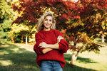 Jakmile se ochladí, je čas začít přemýšlet o svetru. Ten perfektní letos najdete díky našemu seznamu trendů. Které svetry se letos nosí a jak?