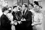 Roztomilý člověk z roku 1941 vypráví příběh o bláznivém redaktoru Bláhovi, který si neustále vymýšlí a mystifikuje své okolí. Kdo by ho ale neměl rád, že. Hlavní roli si zahrál Oldřich Nový, sekundovala mu výtečná Nataša Gollová.