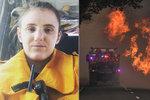 """S požáry v Austrálii bojuje i těhotná hasička (23): """"Je mi jedno, že se vám to nelíbí"""""""