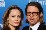 V době, kdy ještě Brad Pitt žil s Angelinou Jolie. Jako pár byly nádherní a zdálo se, že jsou nerozluční. Nebyli, v roce 2016 se rozvedli.