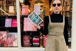 Emma Roberts koupila tyto roztomilé šaty v obchodě Topshop za 1200 korun.
