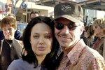 Angelina Jolie a Billy Bob Thornton se vzali po dvou měsících vztahu.