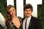 Miranda Kerr a Orlando Bloom se zasnoubili po měsíci chození. Manželství jim ale nevydrželo.