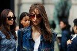 I džínová vesta může být zajímavým kouskem ve vašem šatníku.