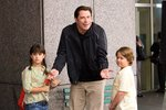 Starý páky - John Travolta a jeho dcera Ella Bleu Travolta (vlevo)
