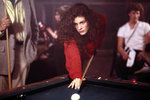 Mystic pizza (1988) - Červený kardigan bychom s láskou nosily i dnes.