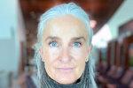 Modelkou v 55 letech? Tato žena hravě strčí do kapsy mladší dívky