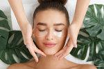 Tajné tipy kosmetiček: Jak se o svou pleť starají profesionálky?