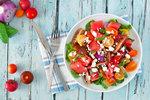 Přimíchejte si meloun do salátu. Sladká chuť se slaným sýrem vás příjemně překvapí.