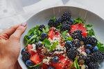 Místo zeleniny můžete meloun nakombinovat také s ovocem, jako jsou lesní plody.